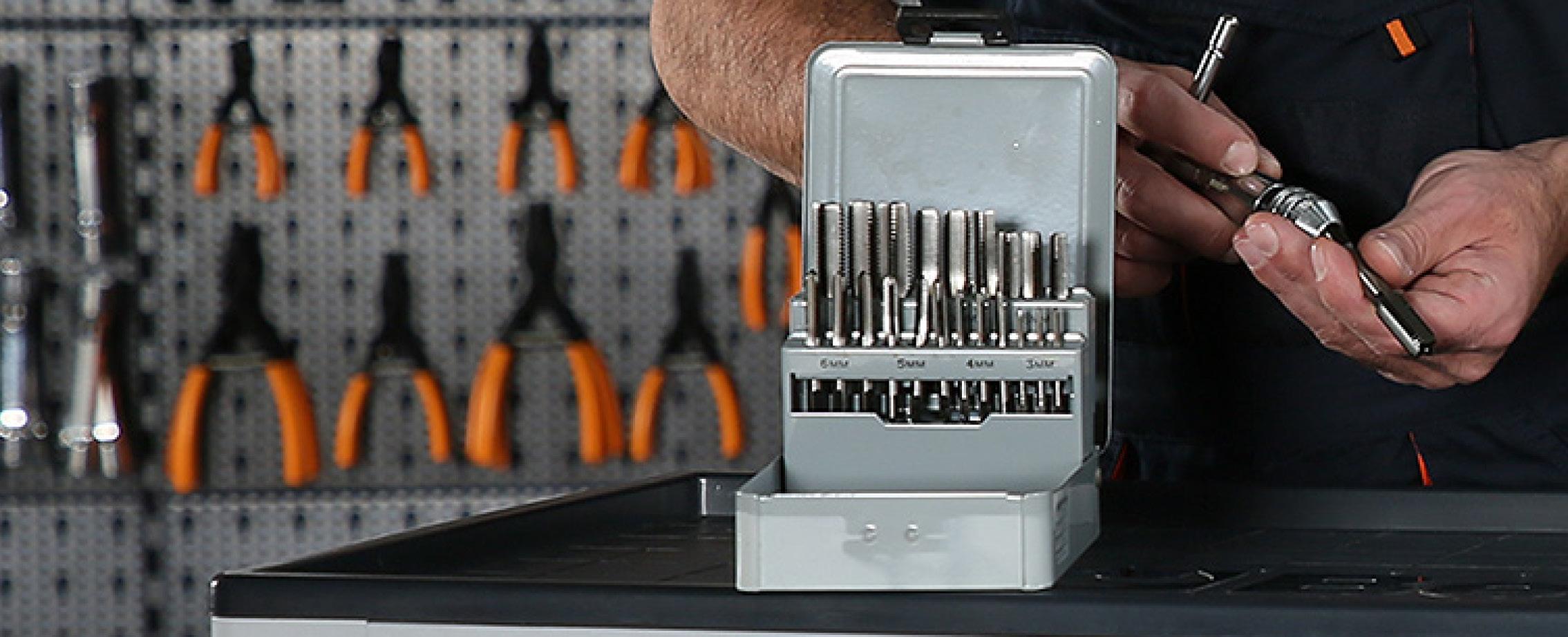 Bohr-Gewinde-Werkzeuge