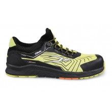 Schuhe aus Mesh-Gewebe mit TPU-Einsätzen und Leuchteinsätzen