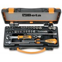 13 Sechskant-Steckschlüssel, 11 Schraubendrehereinsätze und 6 Betätigungswerkzeuge